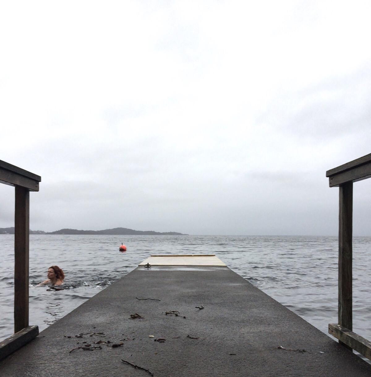 Signe Schineller, Rosendal, Hardangerfjorden, Brygga mi, Visit norway, Visitnorway, Kvinnherad, isbading, winterbathing, icebathing,