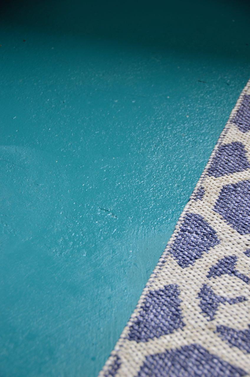 Maling, oppussing, oppussing vaskerom, renovering vaskerom, før og etter, vaskerom, mal med farger, puss betongvegg, jevn betongulv, fargerikt på veggen, murpuss, nordsjø maling, nordsjø veggmaling, Signe interiør, signe oppussing, signe rosendal, washroom interiør, washroom renovation,