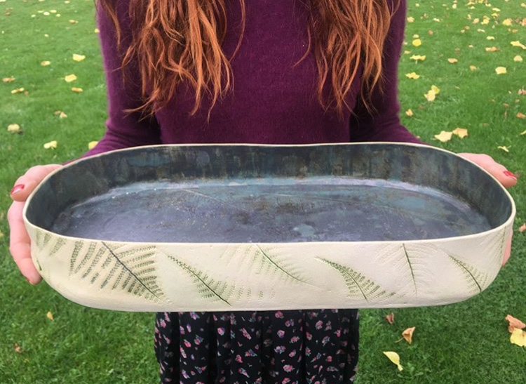 ceramics, ceramic bowl. signes ceramic, signes keramikk, signe keramikk, leire, working with clay, plant print, plant print on clay, lek med leire, clay diy, leire gjør det selv, ceramic DIY, ,