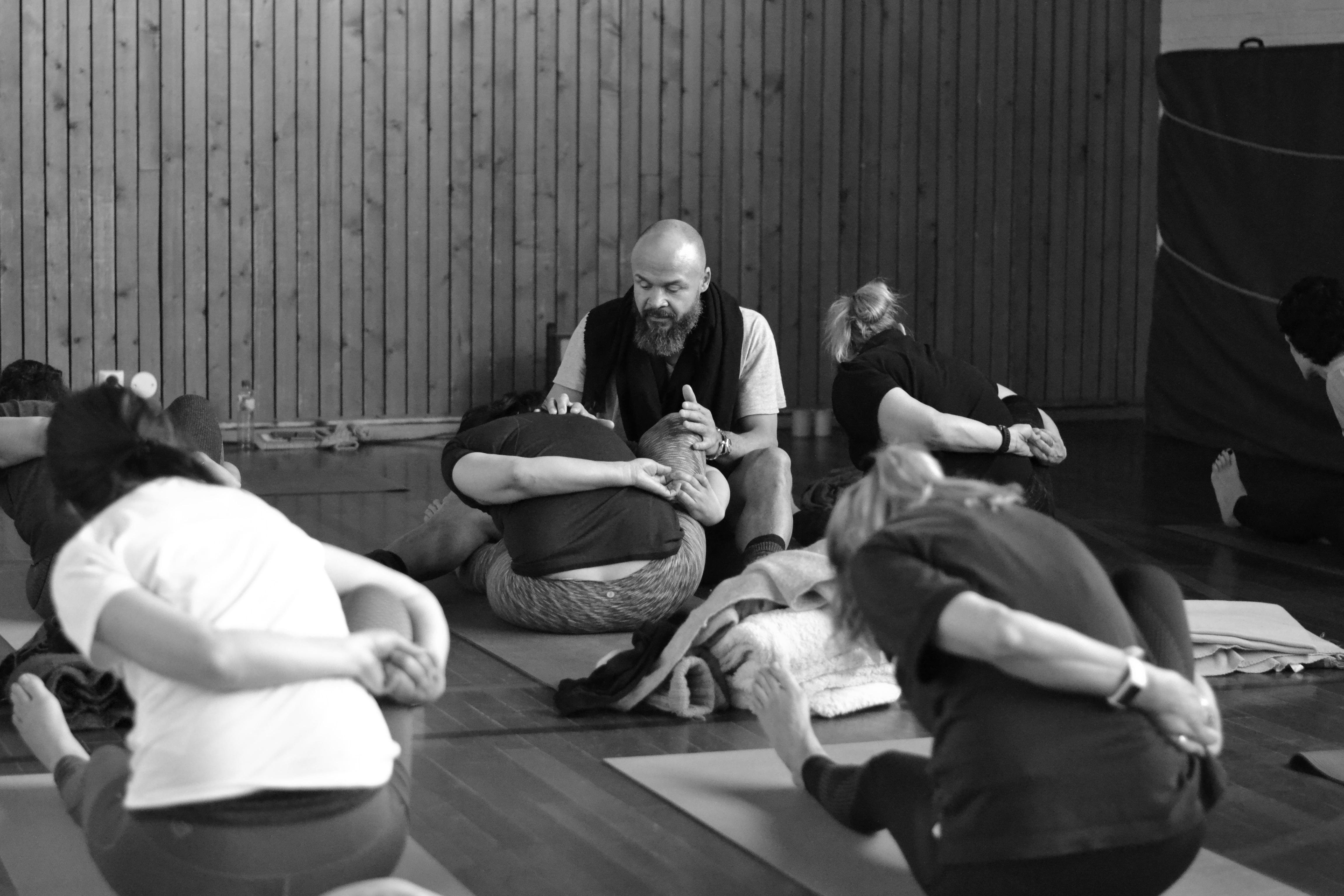 yogahelg i rosendal, yogaevent, yogahelg, kunal sharda, signe rosendal, yoga rosendal, yoga i rosendal, run and relax, omvikdalen, signe schineller, philip skogen