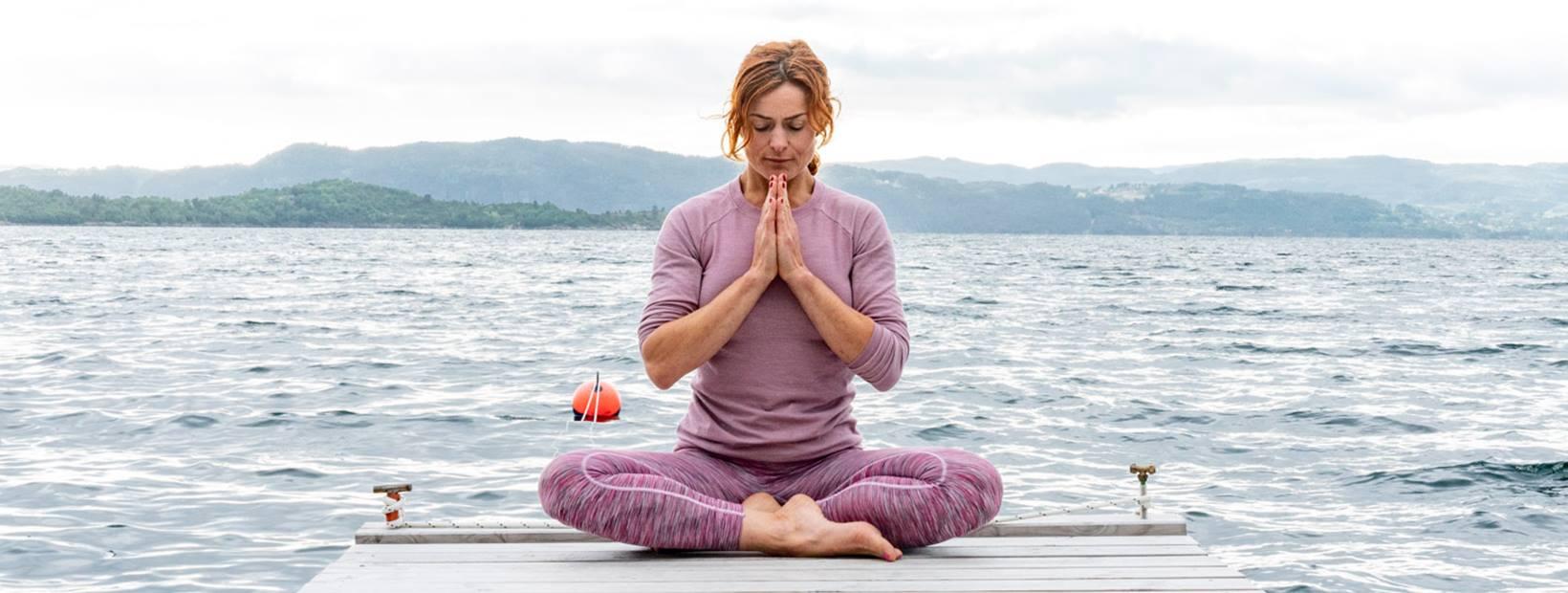 Yogahelg, yogaretreat, signe yoga, signeyoga, signe schineller, signe schineller blogg, run & relax, yogaklær, yogabukse, yogatopp, ginger, redhead, yoga, meditasjon, yoga i rosendal, yoga rosendal, hardangerfjorden, visit norway, rosendal event