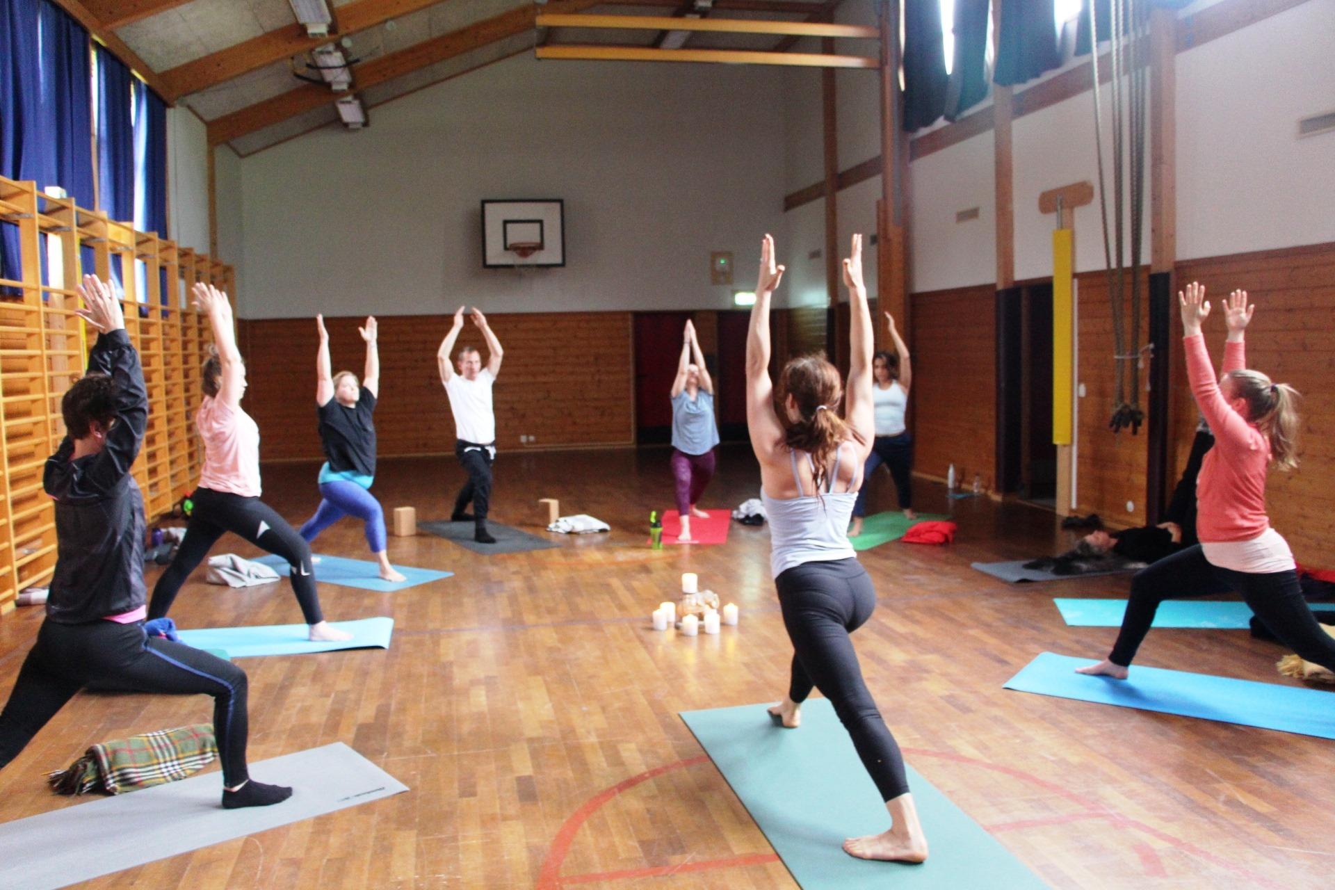 Yogahelg, yoga bergen, yoga signe, signe yoga, yogaweekend, yoga retreat norge, Åkrafjorden, yoga og hest, visit Sunnhordland, yoga utendørs, yoga outside, fjellyoga, yoga ved fjorden, utno,